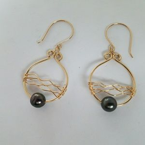 Jewelry - Wave Tahitian pearl earrings gold filled sterling